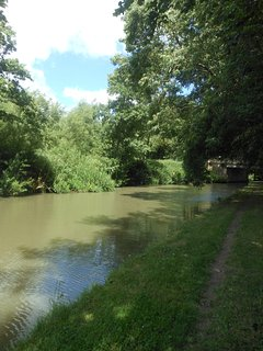 Why not take a 20 minute walk to the pub along the scenic towpath
