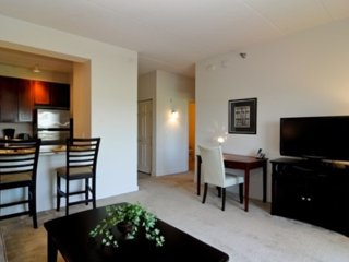 Luxury Living 1 Bedroom Apartment in Buffalo Grove, Wheeling