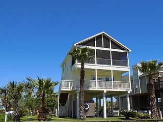 Sunny Beach House with Incredible Beach Views, Galveston