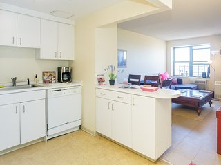 Awesome Views in Times Square: 1 BR, New York City