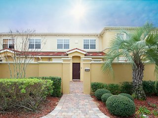 Dream Retreat -  Beautiful 3 Bedroom, 3.5 Bathroom, Davenport
