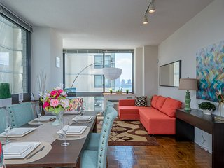 STUNNING GEM,GYM,POOL,PARKING,24HR NYC Train-WSH14, Jersey City