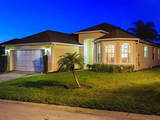 DreamMaker - Beautiful 4 bedroom, 3 bathroom House, Davenport
