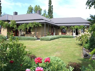 The Homestead and Woolshed on Racecourse, NZ