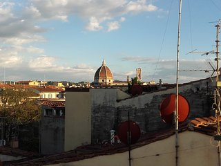 ON THE ROOFS OF FLORENCE, Florencia