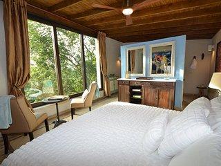 Mont Carpe Diem. Boutique Inn. Two Luxury cabins in a Puerto Rican rainforest.