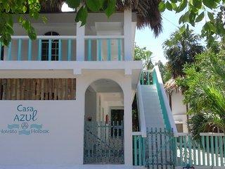 Casa Azul, el Hotelito familiarizado, Holbox Island