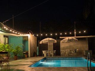 70s bungalow de estilo retro en Melaque, México