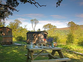 42846 Log Cabin in Crickhowell, Beaufort