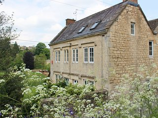 43698 Cottage in Stroud