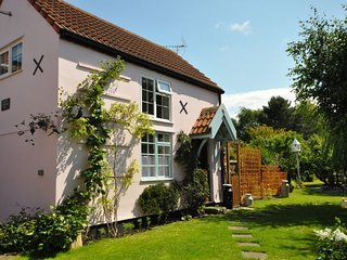 TWEEN Cottage in Burnham-on-Se, Brean