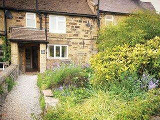 PK909 Cottage in Eyam, Bamford