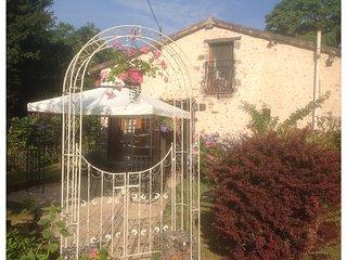 Bijou Gite. The Perfect Escape Holiday. Le Lys., Couhe