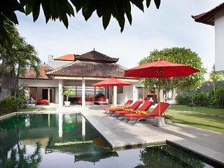3 Bedroom Tropical Garden Villa, Legian>