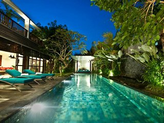 5 Bedroom Villa 10Mins to Kuta Beach, Legian>, Seminyak