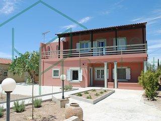 2SG122016 Island House in cosmopolitan  Aegina, Egina