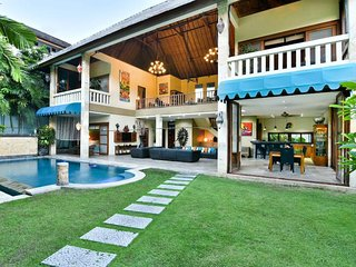 Family 3BR Villa on 2 Floor,Seminyak>