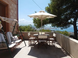 SLEEPS  5 P  , CLASSIC OLD STONE HOUSE / RENOVATED, Chania