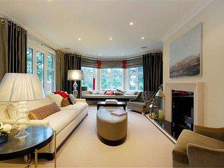 A La Mode 3 Bed Villa - Bishops Avenue, London