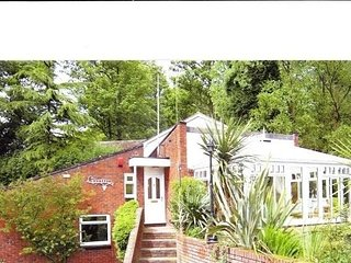Architectural house nr Keele