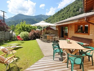 Gorgeous chalet in the Alps with views, Saint Jean d'Aulps