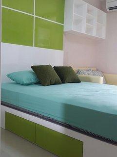 room in Bassura City