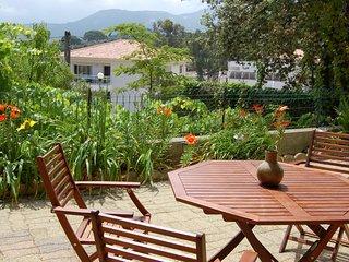 Deux-pièces 52 m2, calme, gde terrasse plein sud