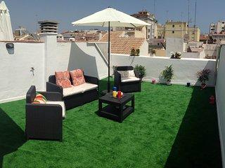 Ático-Duplex centro terraza 25m, Perchel Sur. WIFI, Málaga