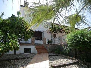 Comfortable village house with swimming pool, Benamahoma