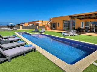 NEW! Pool, MiniGolf and Direct Golf/Ocean views, Caleta de Fuste