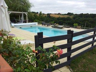 Gîte pour 6/8 personnes avec spa et piscine, Beaumarches