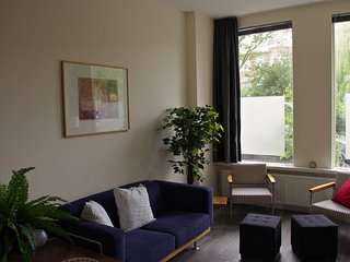 apartment in a beautiful green quay, The Hague