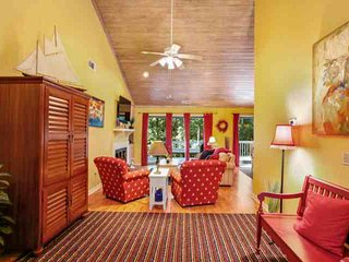 Fun, Fresh & Airy Home with Private Spa, Community Pool & Tennis located in the