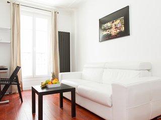 33. Bastille 1BR Apartment with Balcony  - Central, Paris