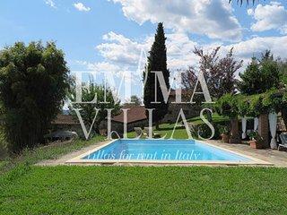 Villa Cervarola 6+2, Massa