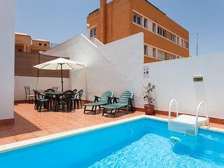 Villa 6 personas Piscina privada, WIFI y Satelite