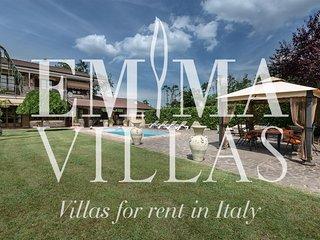 Villa Miki 6+2, Asti