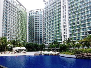 Azure Residences: 2BR beach paradise near Airport!