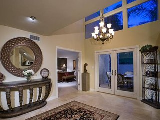 McCormick Ranch Beauty- Minutes from Walking Paths, Scottsdale