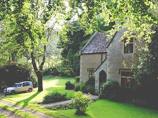 Woodwells, secluded Cotswold home