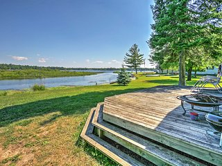 Outstanding Location- 2BR Hale Cabin w/Access to Long Lake & Amazing Views!