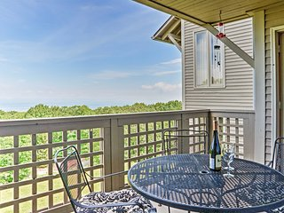 Cozy 2BR Wintergreen Condo w/Private Balcony!