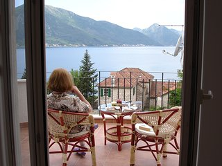 Luxuy Penthouse in Ljuta, overlooking Kotor Bay,, Dobrota