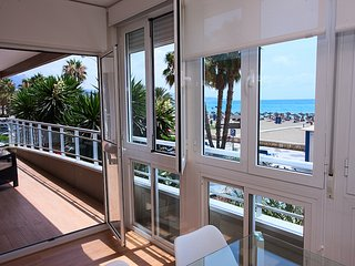 New & Sunny 3 Bed-2 bath Sea Views Malaga Centre