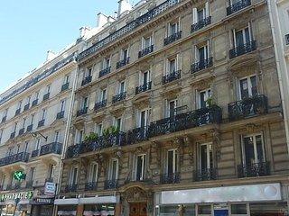 Maubeuge, Paris