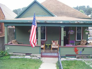 Charming Main Street Bungalow, Lead, SD