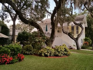 Cottage Apartment Spring Bayou