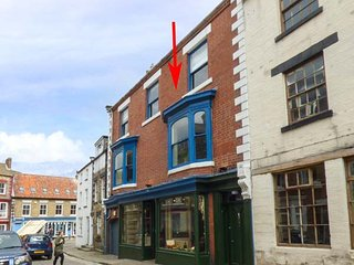 VICTORIA HOUSE, apartment, close to beach, WiFi, pet-friendly, in Staithes, Ref 939458