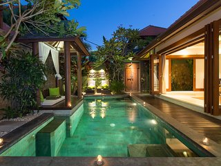 Walkin Distance Double Six Beach Seminyak Villa