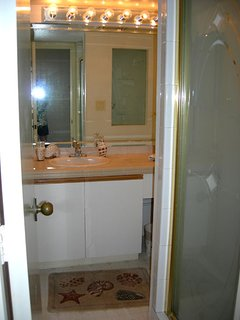 The 2nd and Full bathroom